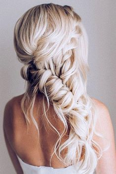 Boho Wedding Hairstyles To Fall In Love With Boho Wedding Hairstyles ❤︎ Wedding planning ideas & inspiration. Wedding dresses, decor, and lots more. Wedding dresses, decor, and lots more. Lange Blonde, Bridal Braids, Wedding Hairstyles Half Up Half Down, Wedding Hair Inspiration, Box Braids Hairstyles, Fall Hairstyles, Boho Hairstyles For Long Hair, Wedding Hair And Makeup, Boho Wedding Hair Half Up