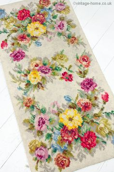 Vintage Home Shop - 1940s Hearthside Roses and Carnations Rug: www.vintage-home.co.uk