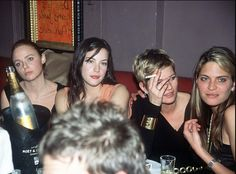 Stella McCartney, Liv Tyler, Kate Moss and Franky Rayder- shake it up