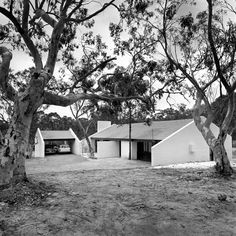 Project houses at Eloura, 1969. Kerry Dundas photo.
