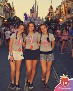 #momentoEnjoy15 es tu foto frente al castillo de #magicKingdom  #waltdisneyworld #disneyworld #disney #magicKingdom #orlando