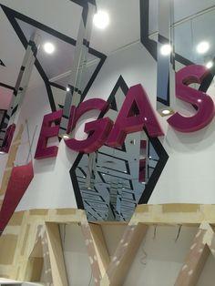内部工事の様子② #vegas1200