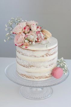 Vanillu naked-cake Best Picture For wedding cakes spring blue For Your Taste You are looking for something, and it is going to tell you exactly what you are looking for, and you didn't find that pictu Bolos Naked Cake, Nake Cake, Beaux Desserts, Birthday Cake Decorating, Drip Cakes, Savoury Cake, Celebration Cakes, Shower Cakes, Cake Smash