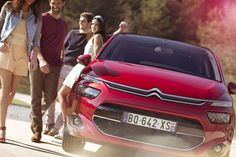 Sometimes you just need to get out. The perfect car to escape with friends? The CITROËN C4 Picasso!