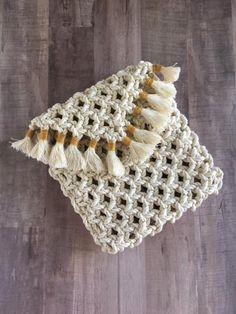 Crochet Payton Wrap Shoe - Page 7 of 13 - lovemxy Lace Decor, Fabric Decor, Macrame Purse, Weaving Wall Hanging, Diy Purse, Fringe Bags, Vintage Purses, Clutch, Messing