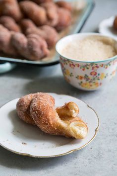 Cinnamon Sugar Twist Doughnuts- The Little Epicurean - Cinnamon Funnel Twist Donut Recipe, Donut Recipes, Dessert Recipes, Cooking Recipes, Cinnamon Sugar Pretzels, Cinnamon Desserts, Soft Pretzels, Apple Crumble Topping, Sugar Twist