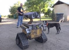 Dude Builds An Adorably Awesome Real-Life Wall-E Robot want!!!!!!!!!!