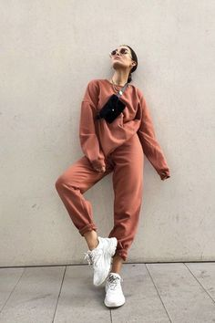 99 Impressive Street Style Outfits Ideas For Everyone To Make Awesome Looks - Sporty Outfits ❤ Cute Comfy Outfits, Sporty Outfits, Mode Outfits, Trendy Outfits, Gym Outfits, Fitness Outfits, Colourful Outfits, Comfortable Outfits, Trend Fashion