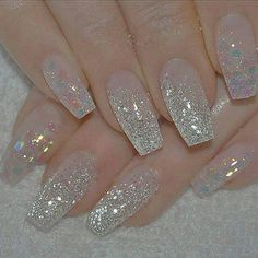 Silver nails are the perfect nails for any occasion. You dress and hair are ready, all you have to do is adding some bling-bling color on your nails. Fancy Nails, Cute Nails, Pretty Nails, My Nails, Bride Nails, Prom Nails, Wedding Nails, Long Nails, Nail Art Designs 2016