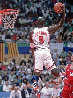 MICHAEL JORDAN OLYMPICS USA BASKETBALL AIR DUNK 8x10 PHOTO