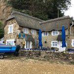 Chez Becky et Liz 🇬🇧 (@hpicken) • Photos et vidéos Instagram Pergola, England, Outdoor Structures, Outdoor Decor, Travel, Instagram, Photos, Viajes, Pictures