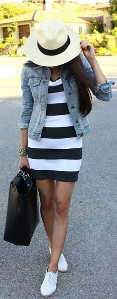 Stunning Women Casual Outfit Ideas For Spring 32