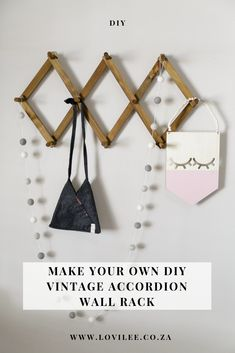 Looking for a statement inexpensive practical decor feature for the home? Make your own DIY Vintage Accordion Wall Rack Diy Wall Hooks, Wall Hook Rack, Diy Wood Wall, Wall Racks, Wood Rack, Diy Couch, Blog Online, Wall Accessories, Decorative Hooks