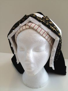 Patterns for Tudor Lady's Bonnets, Frontlets, Pastes and Edges - Nowadays Also Called Gable, Kennel, Pediment or English Hoods Jane Seymour, Hans Holbein, Historical Costume, Historical Clothing, English Hood, Tudor Tailor, Tudor Costumes, Tudor Fashion, Renaissance Costume