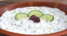 Meze of the day: Greek Tzatziki (Original recipe) Greek Recipes, Vegan Recipes, Cooking Recipes, Tzatziki, Cooking Courses, Greek Dishes, Original Recipe, I Foods, Food And Drink