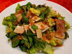 από την Vaso Spasou Υλικά & Εκτέλεση: Μαραίνουμε σε αντικολλητικό σε 1 κ.γ. λάδι Seaweed Salad, Ethnic Recipes, Food, Girls, Toddler Girls, Daughters, Essen, Maids, Meals