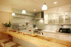 ガラスモザイクタイルとIKEA(イケア)のキッチン