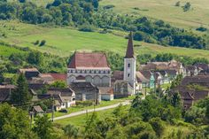 Village in Transylvania Stay Overnight, Big Houses, Restoration, Cottage, Mansions, House Styles, Places, Nature, Houses