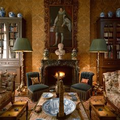 The first book on legendary decorator Geoffrey Bennison, includes insight into his design with fascinating history and a look at all of his projects. Jorge Elias, English Country Decor, Victorian Interiors, Victorian Decor, Interior Decorating, Interior Design, Decorating Ideas, Decor Ideas, Classic Interior