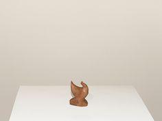 Cícero Alves dos Santos - Véio | Galinha sem bico, 2014 | Madeira | 6 x 4 x 2,5 cm