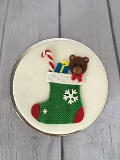 Xmas Cakes, Christmas Cakes, Christmas Baking, Christmas Ornaments, Christmas Cake Designs, Christmas Cake Decorations, Camouflage Cake, Creative Food Art, Xmas Stockings