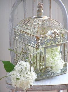 Using Bird Cages in Gardens   Using Bird Cages For Decor: 46 Beautiful Ideas