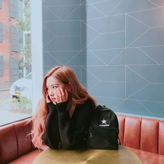 Shared by michaella. Find images and videos about kpop, rose and blackpink on We Heart It - the app to get lost in what you love. K Pop, Kpop Girl Groups, Korean Girl Groups, Kpop Girls, Blackpink Members, Girly, Rose Park, Wattpad, Idole