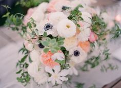 Anemone ranunculus garden rose romantic wedding centerpiece