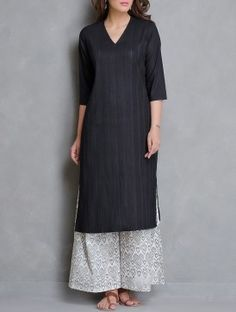 Black V-Neck Pintuck Detailed Cotton Kurta
