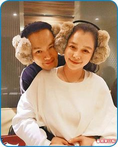 徐若瑄(右)嫁給李雲峰,定居新加坡。