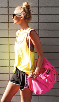 Love the entire gym outfit and bag ♥