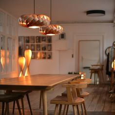 TOM ROSSAU - TR 5 Pendant Light: wood and design at their best mix - deco and design