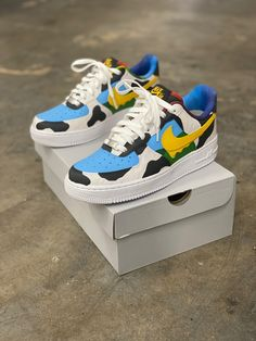 Cute Sneakers, Vans Sneakers, Sneakers Fashion, Fashion Outfits, Custom Air Force 1, Hype Shoes, Ben And Jerrys, Liner Socks, Custom Shoes