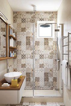 ¡Un baño pequeño pero realmente encantador! Para inspirarnos…  #Baños #InspiracionDeco #DecoracióndeBaños #Bañeras #BañerasExentas #BañerasconPatas #EntornoBaño #Interiordesign