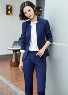 57 Trending Work & Office Outfit Ideas For Women 2019 - The Finest Feed Work Fashion, Office Fashion, Fashion Outfits, Office Attire Women, Suits For Women, Clothes For Women, Formal Wear Women, Stylish Work Outfits, Corporate Attire