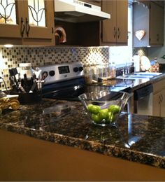 Faux Granite Countertops   An Easy Way To Update Laminate Countertops With  Paint And Epoxy.