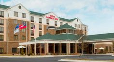 Hilton Garden Inn Atlanta West/Lithia Springs Lithia Springs This Lithia Springs, Georgia hotel is near Six Flags Over Georgia amusement park and Atlanta city centre. The hotel offers guest rooms with flat-screen TVs and free Wi-Fi.
