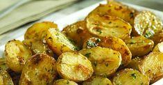 Saiba como preparar essa batata assada com tempero agridoce | Revista Ana Maria Baked Potato, Potato Salad, Potatoes, Baking, Vegetables, Ethnic Recipes, Spinach Rice, Parsley Potatoes, Roasted Potato Recipes