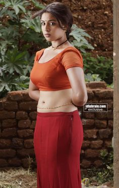 Richa gangopadhyay Hot Navel Show In Red Saree Hd Image Gallery 9 Hot Actresses, Indian Actresses, Choli Dress, Saree Blouse, Richa Gangopadhyay, Navel Hot, Indian Blouse, Indian Sarees, Indian Wear