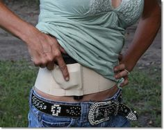 Concealed Carry Products for Women – The Well Armed Woman. Would be easy to conceal under workout clothes. Concealed Carry Women, Concealed Carry Holsters, Gun Holster, Hunting Guns, Guns And Ammo, Girls Be Like, Country Girls, Hand Guns, Just In Case
