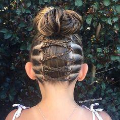 ❤️ Upside down braid into a messy bun. Lil Girl Hairstyles, Princess Hairstyles, Pretty Hairstyles, Braided Hairstyles, Toddler Hairstyles, Bohemian Hairstyles, Hairdos, Gymnastics Hair, Upside Down Braid