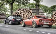 Big Match Lancia Delta Integrale Vs. Lancia Stratos!