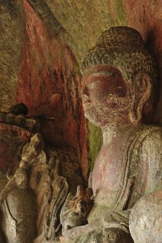 buddhabe:    Buddha in the cave.