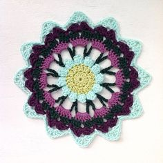lcs_girl crochet mandalas