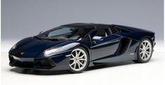 Lamborghini Aventador LP 700-4 Roadster Blu Hera / Dark Blue AUTOart 74698