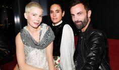 Volez, Voguez, Voyagez! Louis Vuitton Celebrates Olivier Saillard-Curated Exhibit - Daily Front Row https://fashionweekdaily.com/volez-voguez-voyagez-louis-vuitton-celebrates-olivier-saillard-curated-exhibit/