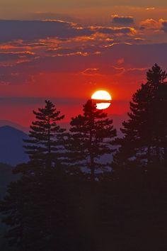 ponderation:  Sunset in the highlands by Baki Karacay