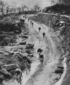 Vuelta España 1936, 6th stage, Salamanca - Cáceres …  214 kms, belgian Gustaaf Deloor won his third stage that day and kept his orange jersey (GC leader) he had received after the second stage and will wear it until Madrid, the arrival.  More than 150 hours on the bike for Gustaaf, the longest win ever in La Vuelta's story, the average speed was 29kms per hour. Did i mentionned that Gustaaf's younger brother, Alfons, finished second overall ?