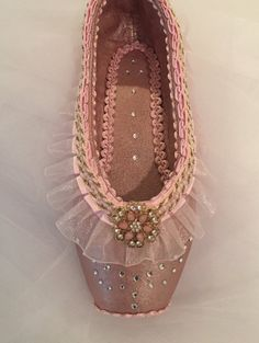 Dew+Drop+The+Nutcracker+decorated+pointe+shoe