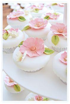 Cupcakes a diario: Cupcakes de boda... ¿Por qué disfruto tantísimo con esto?